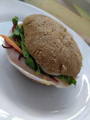 Szafis-pihe-puha-zsemle-szendvicshez